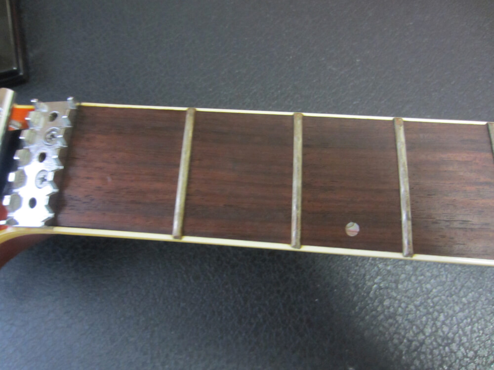 長年放置したギターをメンテナンス